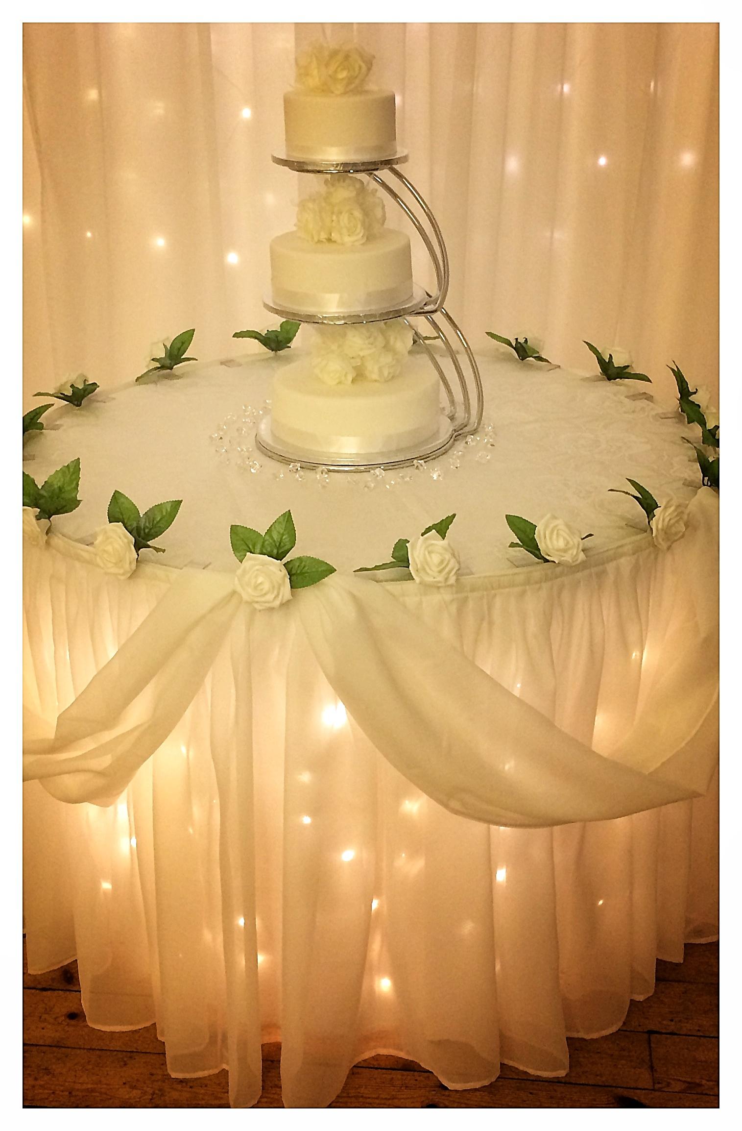 LED-lit Cake Table