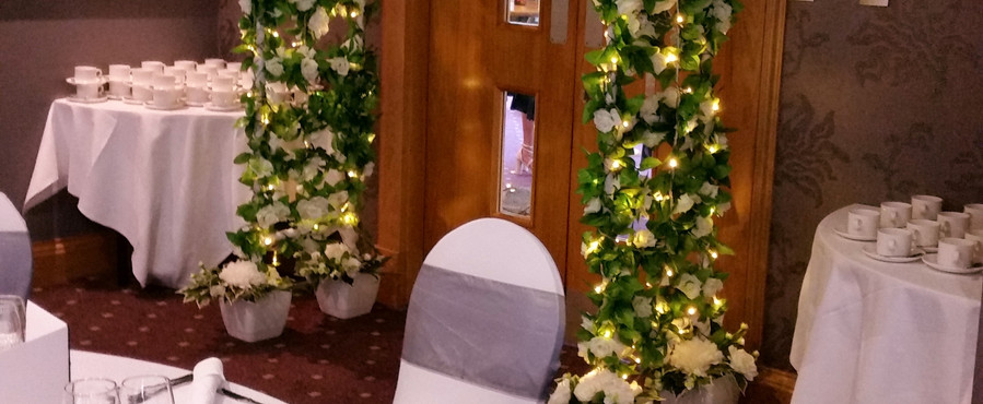 Our illuminated Wedding Archway