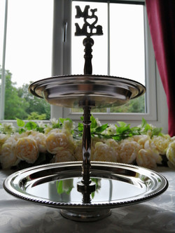 Mr & Mrs Wedding Cake Serving Stand