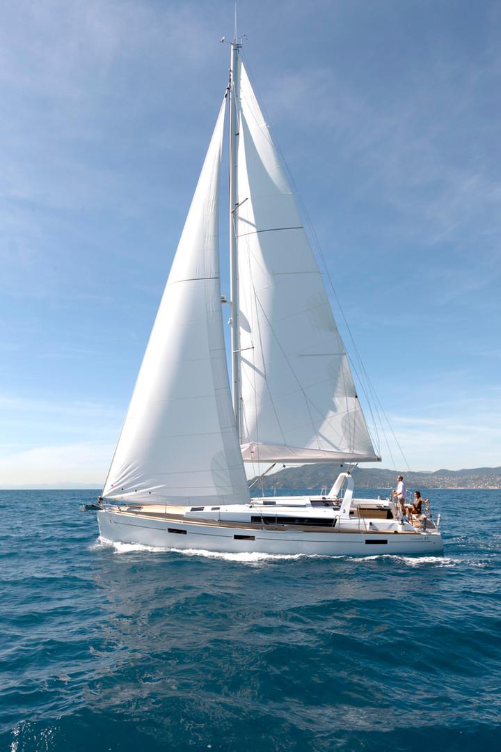Above deck: Full length of boat