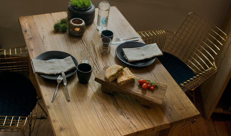 Tisch! 2(Kopie).jpg