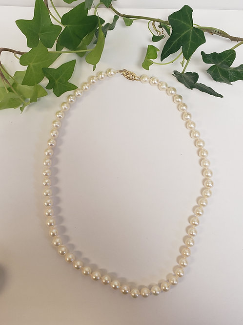 Pearl Necklace W/ Gold Clasp
