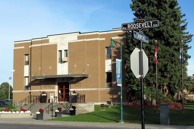 Mont-Royal_Town_Hall_-_Hôtel_de_ville_de