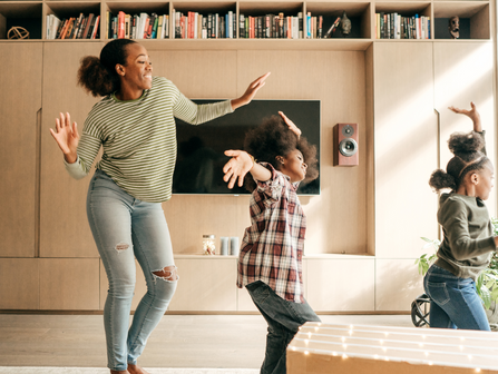 Enfants - Activités pour faire bouger/  Children - Activities to get you moving