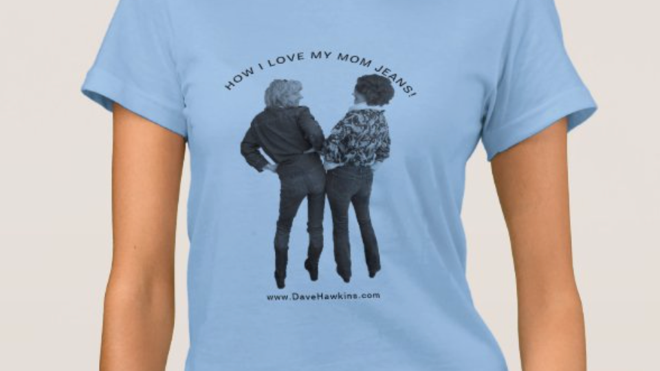 MOM JEANS T-shirt