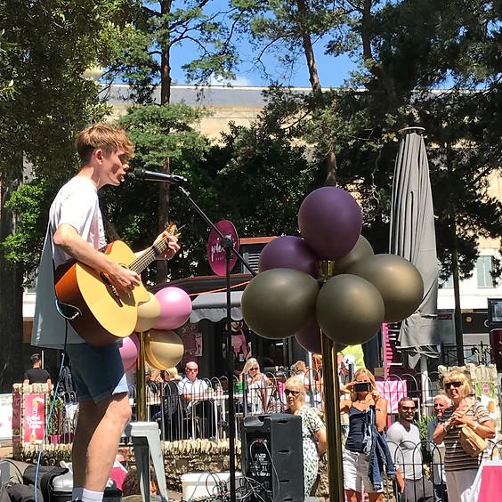 Live Music: Max Elmore