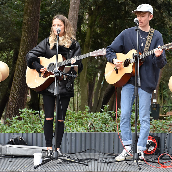 Live Music: Issy Whitlock & Max Elmore