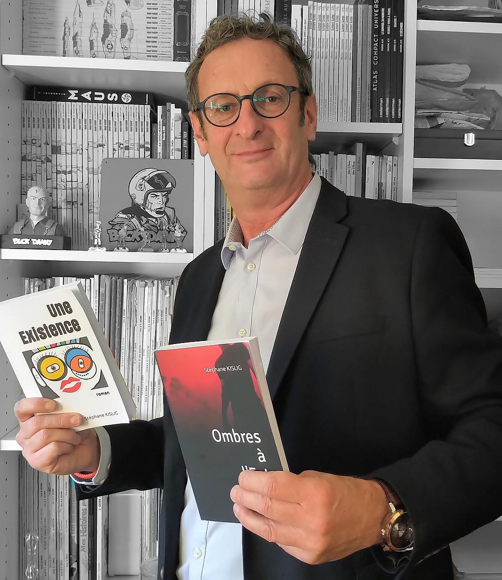 """Stéphane KISLIG vous présente ses livres à destination de tous avec """"Une Existence"""" son 1er roman, et """"Ombres à l'Est"""" son 1er thriller historique & idéologique."""