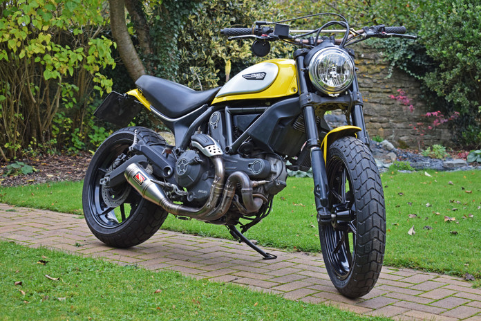 Used Ducati Scrambler for sale northampton bike sanctuary icon yellow front right lock.jpg