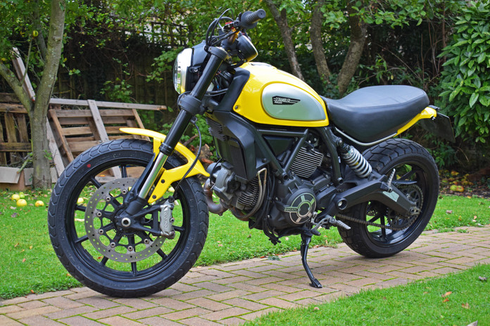 Used Ducati Scrambler for sale northampton bike sanctuary icon yellow left right lock.jpg
