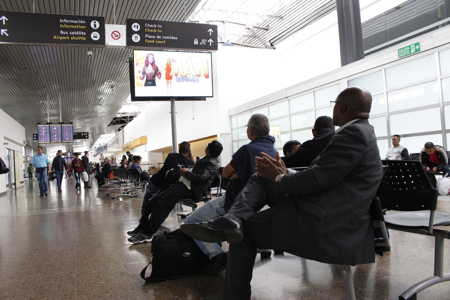 Aeropuerto internacional terminal puente aéreo