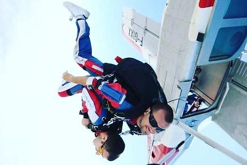 Saut en parachute en tandem avec option vidéo et photos