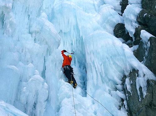 Cascade de glace dans le Briançonnais