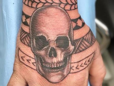 #1049 Garder son tatouage noir   AMERICAN BODY ART
