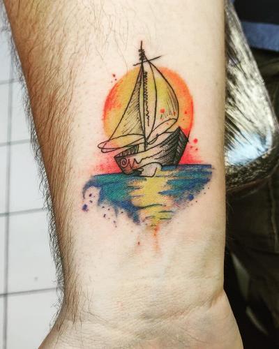 Tatouage bateau aquarelle - American Body Art
