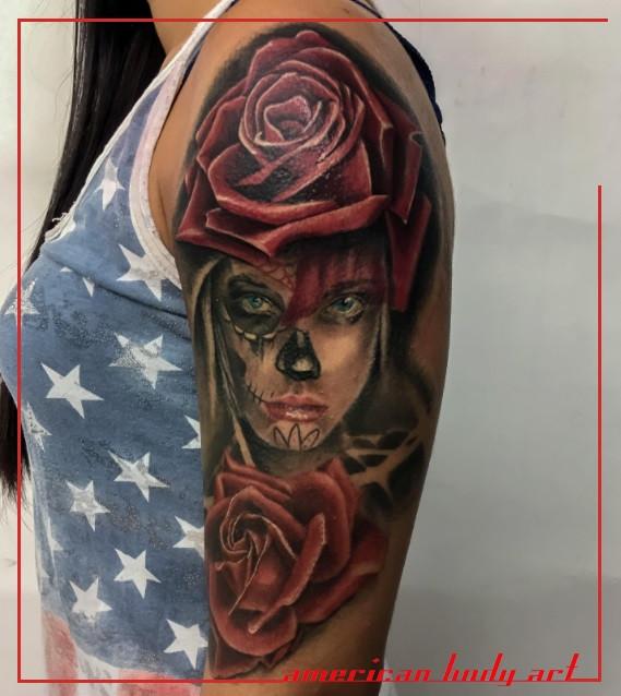 Tatouage sur l'épaule réaliste American body art