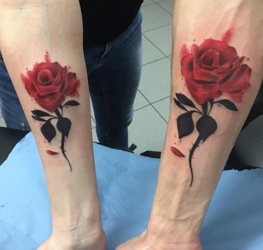 tatouage couple rose rouge