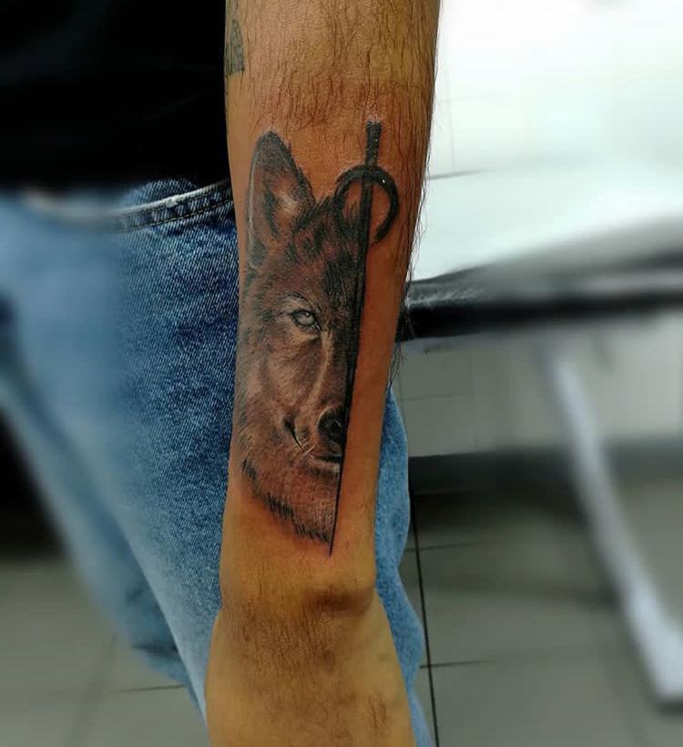 Tatouage renard loup - American Body Art