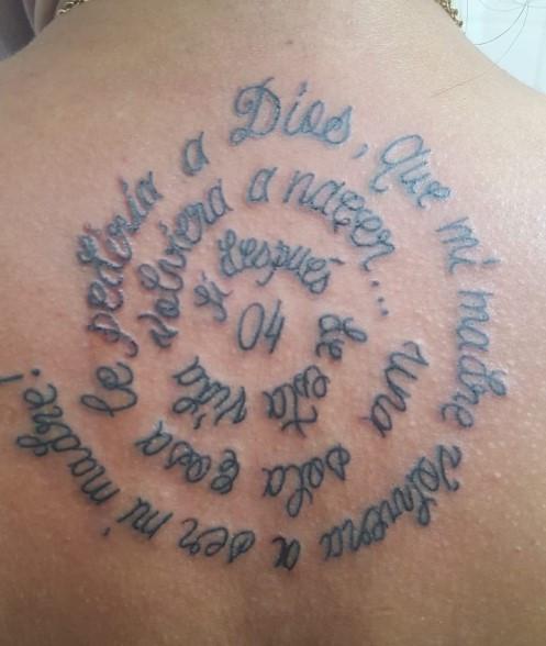 Tattoo lettrage tatouage calligraphique american body art