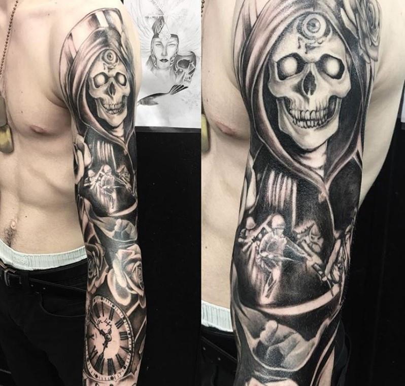 tatouage bras magic circus paris