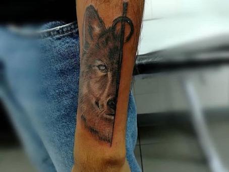 #1040 Tatouage Loup   AMERICAN BODY ART