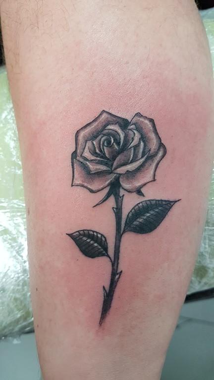 Tatouage rose - American Body Art