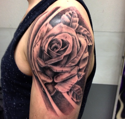 Tattoo e tatouage - Salon de piercin