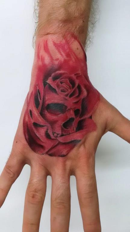 Tatouage tête de mort vs rose