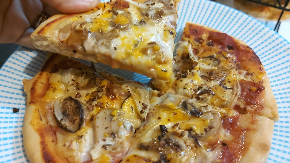 Garlicky 'Shrooms Pizza