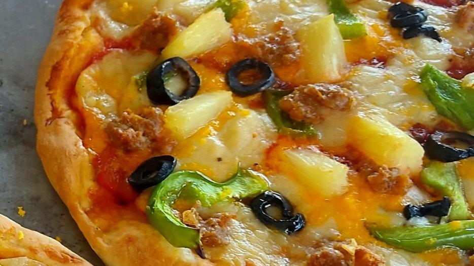 No bashers (Hawaiian) Pizza