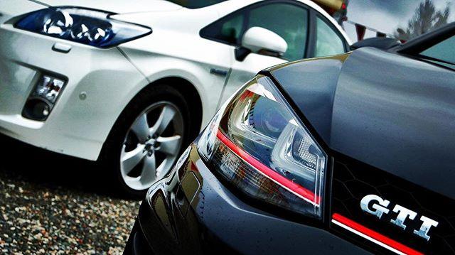 #toyota #prius #vs #versus #vw #volkswagen #golf #gti #golfgti #gti7 #versusauto #versusmorska #gdyn