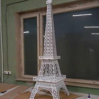 Эйфелева башня из фанеры