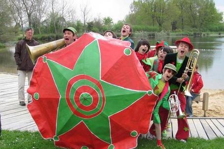 La tribu des Vincentimètres - attaque en fanfare !