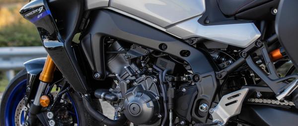 2021-Yamaha-MT09TRGT-EU-Detail-007-03.jp