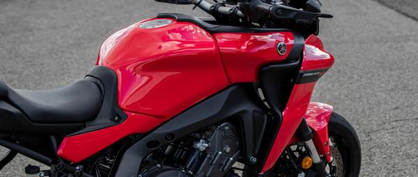 2021-Yamaha-MT09TR-EU-Detail-012-03.jpg