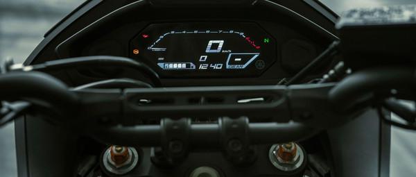 2021-Yamaha-MT07TR-EU-Detail-010-03.jpg
