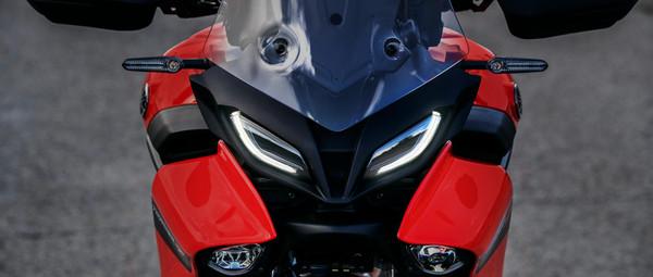2021-Yamaha-MT09TR-EU-Detail-006-03.jpg