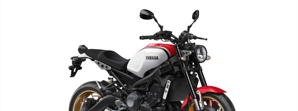 XSR900 Dynamic White