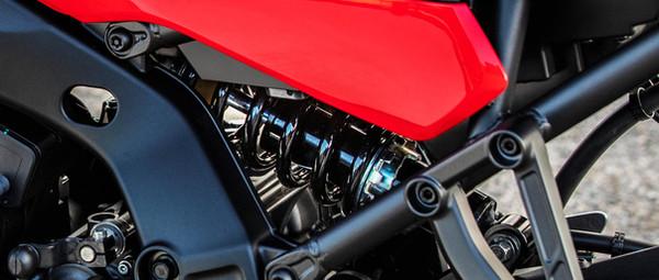 2021-Yamaha-MT09TR-EU-Detail-009-03.jpg