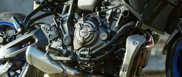 2021-Yamaha-MT07TR-EU-Detail-002-03.jpg