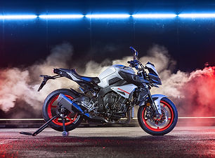 2019-Yamaha-MT10-EU-Ice_Fluo-Static-005-