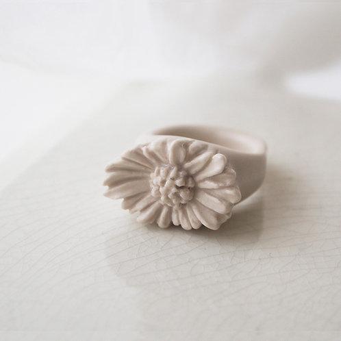 White Porcelain Daisy Ring