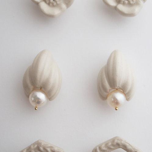 Pearl bud Porcelain Earrings