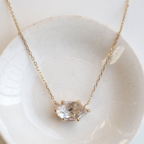 Oin in Quartz Necklace -Clear-