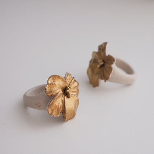 Gold Porcelain Pansy Ring