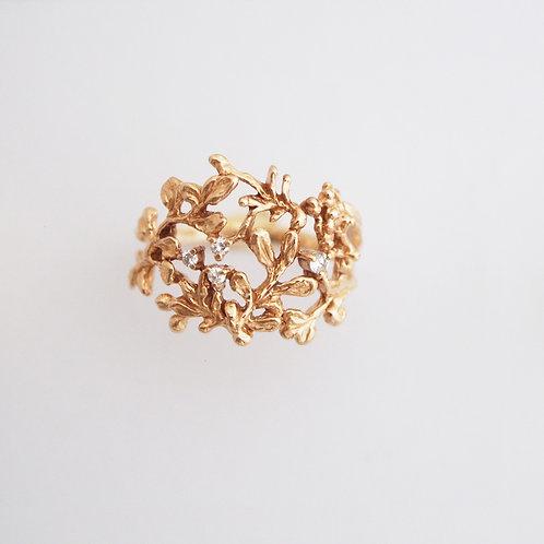 Gold Grove Diamond Ring