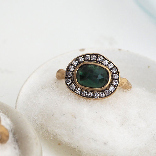 Natural Emerald and Diamond Ring -S-