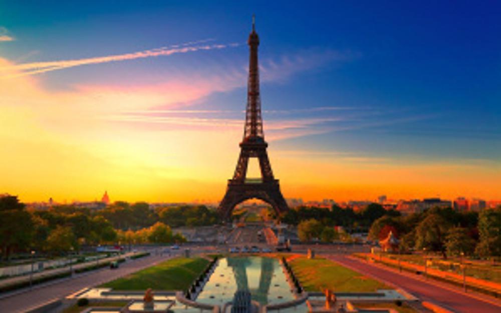 http://kandkadventures.com/wp-content/uploads/2013/06/Eiffel-Tower-Paris-France.jpg