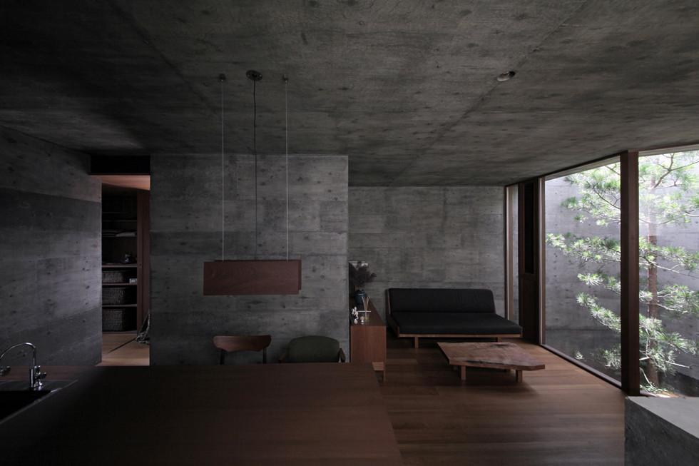 41 光洞の家