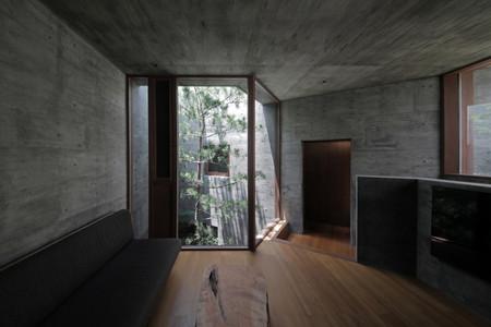 31 光洞の家